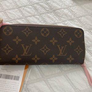 NWT Louis Vuitton monogram zippy wallet